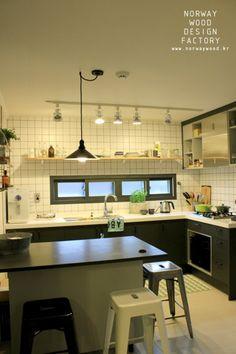 nice house interior dream homes Modern Kitchen Design, Kitchen Decor, Condo, Sweet Home, New Homes, House Design, Interior, Furniture, Home Decor