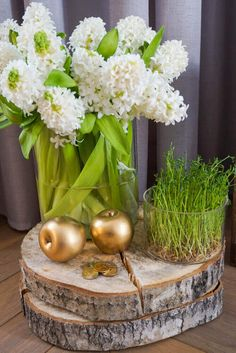 New Years Decorations, Wedding Table Decorations, Flower Decorations, Haft Seen, New Year Table, Table Decor Living Room, Persian Culture, Home Room Design, Fun Crafts For Kids