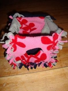 Simple and Easy Ways to Accessorize a Rat Cage... Great no sew ideas.