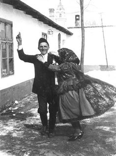 ritmus 7 Folk Dance, World Peace, Central Europe, Folk Costume, Ancestry, Old Photos, Old Things, Traditional, History