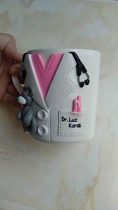 Doctor Mug Personalized Doctor Custom Surgeon Gift for Surgeon Custom Doctor Gift Surgeon Gifts Diy Clay, Clay Crafts, Diy And Crafts, Gifts For Surgeons, Crea Fimo, Clay Cup, Doctor Gifts, Polymer Clay Charms, Custom Mugs