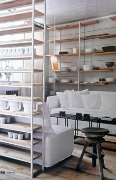 Great shelf construction - allows for the room to still feel a little open. Interior Design Kitchen, Interior Decorating, Small Apartment Interior, Home Kitchens, Interior Architecture, Modern, Ideas, Home Decor, Room Dividers