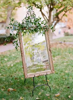 clear acrylic wedding sign in gold frame | Photography: Anagram Photo
