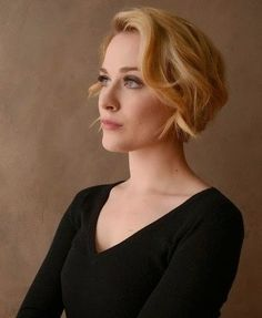 Short Wavy Haircuts for Women: Side Swept Bangs with Short Hair