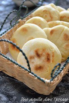 Recipes With Naan Bread, Banana Bread Recipes, No Yeast Bread, Bagel Recipe, Artisan Bread, 20 Min, Dinner Rolls, Brunch, Food And Drink