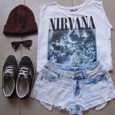 i really want a black nirvana shirt with a smiley face on it so i can be twinning with luke hemmings<3
