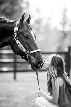 Jeni Jo Photography is fine art equine & equestrian photographer located in Washington. Horse Senior Pictures, Pictures With Horses, Horse Photos, Senior Pics, Western Photography, Photography Senior Pictures, Equine Photography, Pretty Horses, Horse Love
