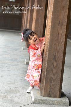 Shichi-go-san. Oriental Dress, Rite Of Passage, Kimono Fabric, Japanese Outfits, Japanese Kimono, Single Women, Model Photos, Family Photos, Fashion Dresses