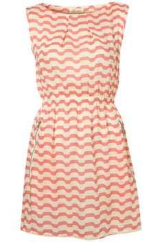 Pretty summer dress.
