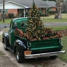 trucks chevy old Days To Christmas, Merry Christmas, Christmas Truck, Christmas Tree Farm, Christmas Scenes, Country Christmas, Vintage Christmas, Polish Christmas, Christmas Villages
