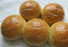 Xandra bakt brood: Zachte, Zwitserse bolletjes (ca. 12 stuks)