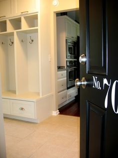 Traditional Spaces Mud Room Design, Pictures, Remodel, Decor and Ideas - page 14 Like no. On door good back door idea
