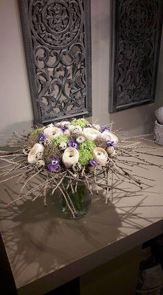 Floral Foam, Arte Floral, Winter Flowers, Simple Flowers, Bouquet, Ikebana, Flower Wall, Floral Arrangements, Floral Design