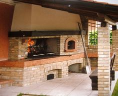camino con forno a legna RUSTICO - Cerca con Google Outdoor Barbeque, Barbecue Pit, Built In Braai, Fire Pit Wall, Fire Grill, Wood Oven, Dream Furniture, Bbq Area, Outdoor Kitchen Design