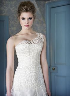 Guipure Wedding Dress    http://www.bridaldesign.co.nz/view-gown/guipure-wedding-dress/20#