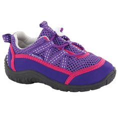 Boat Shoes For Kids - Our picks to keep your kids cool and comfortable while out on the boat. Kid Shoes, Boat Shoes, Us Sailors, Kids Boat, Water Shoes For Kids, Shoes 2016, Preppy Girl, Young Ones, Getting Wet