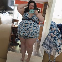 Do you see those fat jiggly arms?? Do you see those thunder thighs and cankles??…