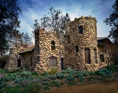 In Charles Fletcher Lummis began constructing his home, El Alisal, in Highland Park. Famous Landscape Photographers, Architectural Photographers, Black And White Landscape, Staycation, Landscape Photos, Weekend Getaways, So Little Time, Old Houses, Old Photos