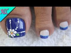 DISEÑO DE UÑAS FLORES PARA PIES♥ - FLOWERS NAIL ART♥ - CÓMO PINTAR FLORES - NLC - YouTube Pretty Toe Nails, Cute Toe Nails, Diy Nails, Feet Nail Design, Toe Nail Designs, Pedicure Nail Art, Manicure And Pedicure, Flower Pedicure Designs, Flower Nail Art