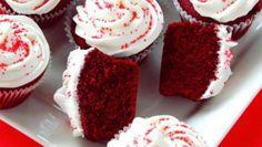 Speciale ricette per San Valentino: i cupcakes al cioccolato effetto velluto rosso