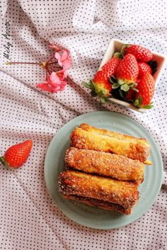 Friganele rulouri cu Nutella / French toast roll ups - Din bucataria lui Micky French Toast Roll Ups, Nutella French Toast, Bon Appetit, My Recipes, Rolls, Vegetables, Cooking, Food, Kitchen