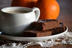 Narancsos-gyömbéres-kakaós süti (Fotó: Myreille) Pudding, Food, Custard Pudding, Essen, Puddings, Meals, Yemek, Avocado Pudding, Eten