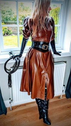 Long Leather Skirt, Black Leather Pencil Skirt, Leather Dresses, Leder Outfits, Dress With Boots, Leather Fashion, Fashion Outfits, Clothes For Women, Leather Outfits