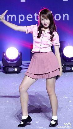 G-Friend YeRin Kpop Girl Groups, Korean Girl Groups, Kpop Girls, K Pop, Kpop Mode, Girls In Mini Skirts, Art Of Beauty, G Friend, Kpop Fashion