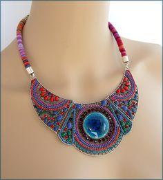 Collier Plastron multicolore - Cordon ethnique, céramique turquoise, perles... : Collier par ladyplazza