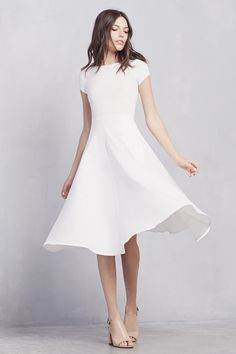 A beautiful and simple dress with great movement - The Caribou Dress (white) - by Reformation https://thereformation.com/products/caribou-dress