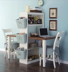 Diy Home decor ideas on a budget. : 6 Considerations When Decorating a Small Space. See our 19 favorite home office ideas for small mobile homes. You don't have to have a lot of space to create a nice home office. Desk For Two, Room For Two Kids, Big Kids, Double Desk, Double Space, Double Room, Sweet Home, Diy Casa, Ideas Para Organizar