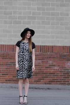 DIY contrasting Raglan sleeve dress with pattern and instructions :) easy to make!