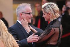 Pin for Later: Die besten Schnappschüsse vom Filmfest in Cannes Kristen Stewart und Thierry Frémaux