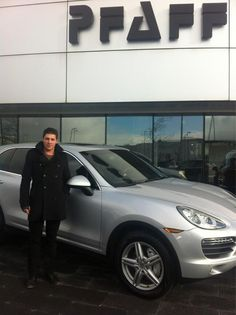 Twitter / JLupul: Thx to everyone at Pfaff Porsche. This new Cayenne makes driving fun...