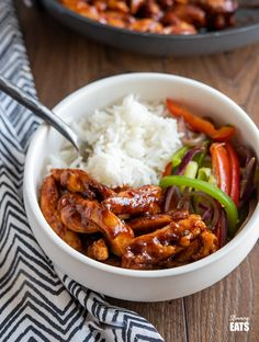 Sweet and Sticky Chicken – tender strips of seasoned chicken thigh in a lick the spoon sweet and sticky sauce. Slimming World Dinners, Slimming World Chicken Recipes, Slimming World Recipes Syn Free, Slimming Eats, Slimming World Sticky Chicken, Cooking Recipes, Healthy Recipes, Cooking Stuff, Savoury Recipes