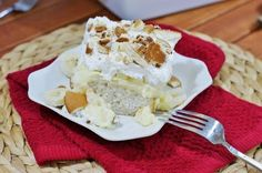 Banana Pudding Icebox Cake -- Fluffy & Delicious http://thestir.cafemom.com/food_party/185059/11_mouthwatering_icebox_cake_recipes