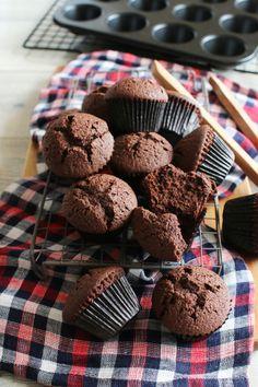ミニチョコカップケーキ by vivian Sweets Recipes, Cupcake Recipes, Desserts, Japanese Cake, Food Gallery, Baking And Pastry, Chocolate Cupcakes, I Foods, Sweet Tooth