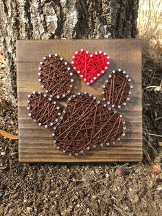 Pfotenabdruck String Art Reminder will be given to all orders guaranteed for Christmas before December Orders will be taken until December and then the store will close for Christmas and open after New Year. ********* ON ORDER is individual paw print … String Art Diy, String Art Heart, String Crafts, Closed For Christmas, Valentine Day Gifts, Valentines, Diy And Crafts, Arts And Crafts, July Crafts