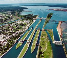 St. Marys River, Connecting Ontario and Michigan