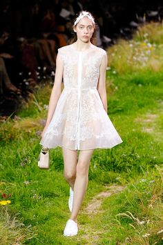 Moncler Gamme Rouge spring/summer 2016 collection show pictures | Harper's Bazaar