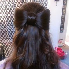 Cute hairstyle, I wish I could do this <\3