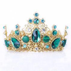 Emerald Swarovski gold crown, Teal wedding tiara,crystal crown,bridesmaid headpiece, green gold headband,green headband,crown baroque dolce by ILoveMyCrown on Etsy https://www.etsy.com/uk/listing/512719922/emerald-swarovski-gold-crown-teal