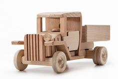 Полуторка Wooden Toy Cars, Wooden Truck, Wood Toys, Toy Trucks, Graphic Design Tutorials, Toy Boxes, Kids Furniture, Retro, Wood Projects