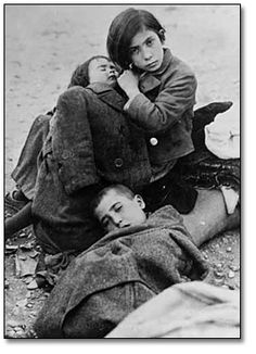 Photo: Three unidentified children during the Spanish Civil War, [between 1936 and 1939]