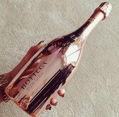 Pinterest: dopethemesz ; rose gold/copper dreams ; Bottega bottle
