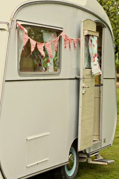 Don't question the caravan. Just run with it. I wrote a creative piece last year about a caravan - Me and My Betty. It was about my caravan Betty and I, and the adventures we had. Fictional but fun. I could do a lot with this. Now where do I get a caravan...?