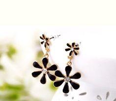 New Beautiful Betsey Johnson Fashion  flower earrings A180 - http://designerjewelrygalleria.com/betsey-johnson/new-beautiful-betsey-johnson-fashion-flower-earrings-a180/