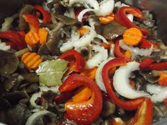 Hellena ...din bucataria mea...: Salata de ghebe - pentru iarna Caprese Salad, Sushi, Ethnic Recipes, Food, Salads, Meal, Eten, Meals, Sushi Rolls