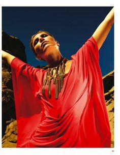 colori nel deserto: edda petursdottir by roberto d'este for grazia italia