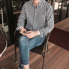 I like the pins that you try By: Thakes Korean Fashion Men, Korean Street Fashion, Kpop Fashion, Mens Fashion, Fashion Outfits, Aesthetic Fashion, Aesthetic Clothes, Korean Outfits, Casual